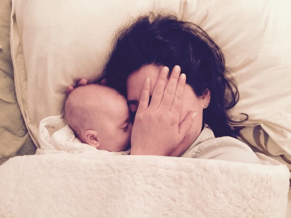 mom and baby snuggling